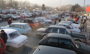 Parking plein de belles autos